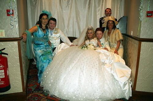 Изображение 12. Цыганские невесты и их свадебные платья.. Изображение № 8.