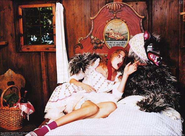 Архивная съёмка: Эллен фон Унверт для немецкого Vogue, 2003. Изображение № 11.