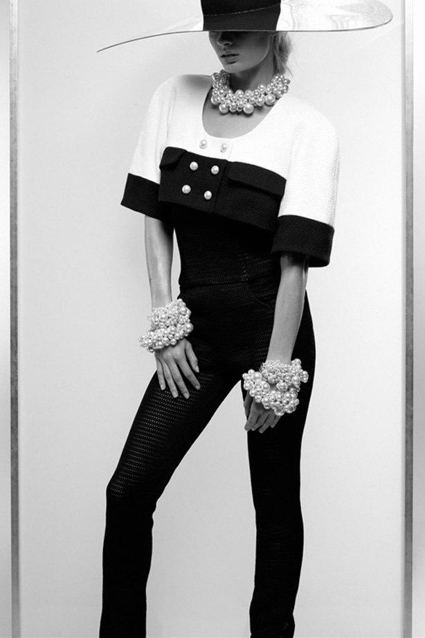 Показаны новые лукбуки Balenciaga, Chanel и Zac Posen. Изображение № 3.