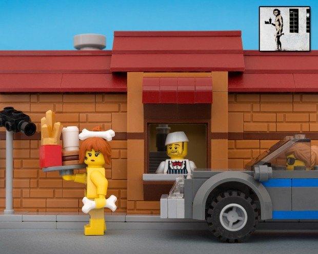 Работы Бэнкси воссоздали в конструкторе LEGO. Изображение № 10.