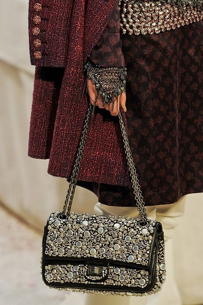 Детали с показа Chanel Pre-Fall 2012. Изображение № 21.