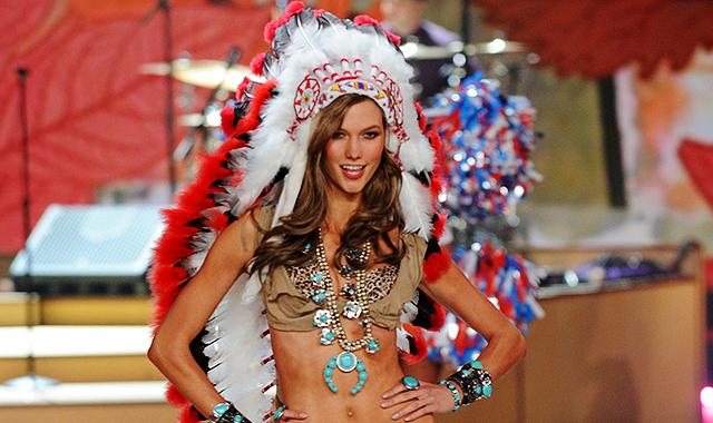 Коренные американцы оскорблены показом Victoria's Secret. Изображение № 1.