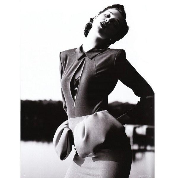 Съёмка: Анаис Пульо для немецкого Vogue. Изображение № 9.