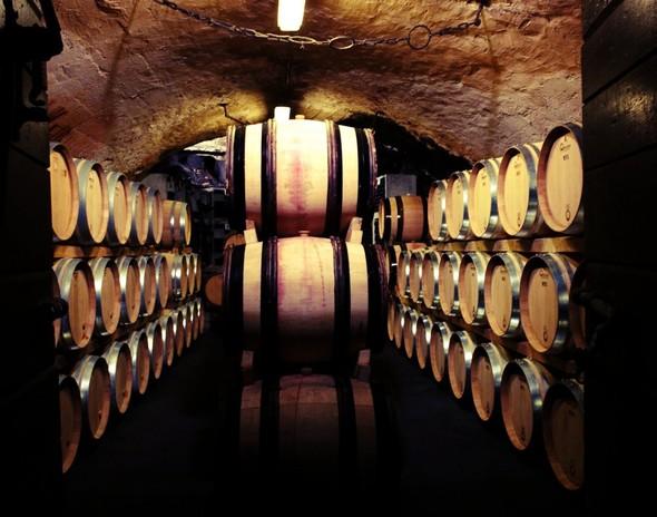 Рестораны и винные погреба в пещерах на севере Италии. Изображение № 5.
