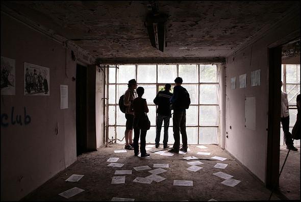 2010-05-15. Москва. Дом Наркомфина. Выставка со взломом. Изображение № 1.