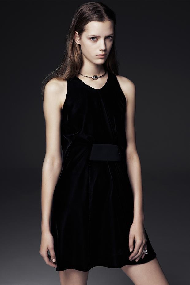 Показаны новые лукбуки Balenciaga, Chanel и Zac Posen. Изображение № 29.