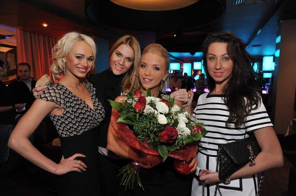 Девушка Блонда стала DJ Lady Blond и презентовала клип. Изображение № 8.