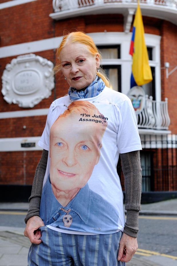 Вивьен Вествуд создала футболку в поддержку WikiLeaks. Изображение № 1.