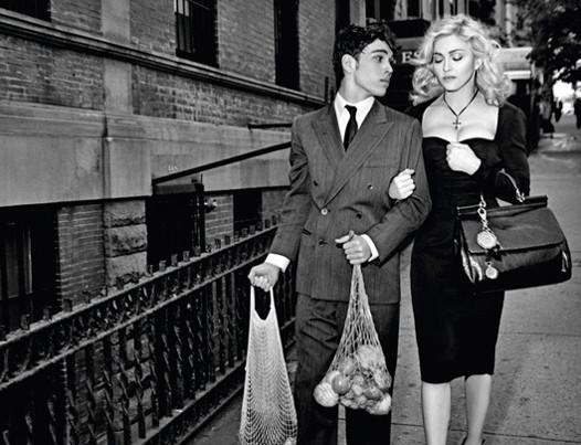 Мадонна в новой рекламе D&G. Изображение № 1.