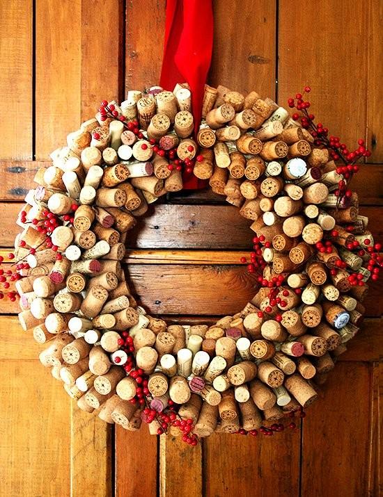 Новогодние украшения из винных пробок. Изображение № 11.