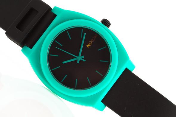 Финальная распродажа часовой марки NIXON.. Изображение № 1.