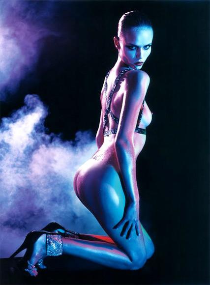 Vogue Paris 2008-2009-2010 Calendar. Изображение № 32.