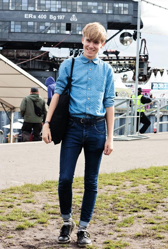 Золотые шорты, джинсовые рубашки и шляпы: Люди на фестивале MELT!. Изображение №18.