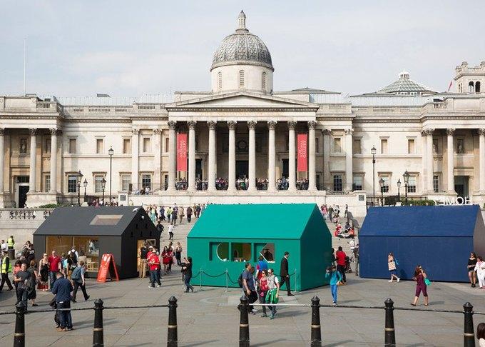 Дизайнеры создали инсталляцию для Airbnb на Трафальгарской площади. Изображение № 1.