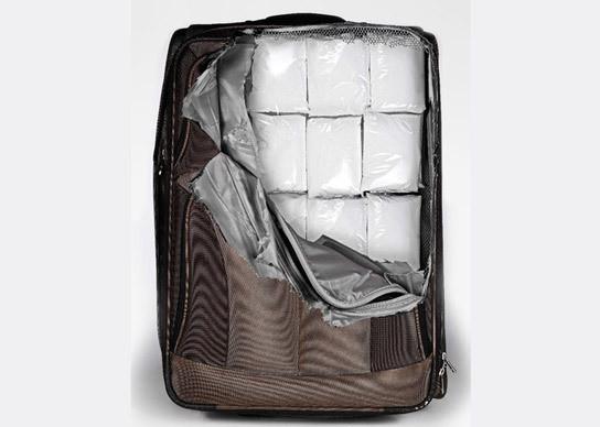 Изображение 2. Безумные наклейки на чемоданы.. Изображение № 1.