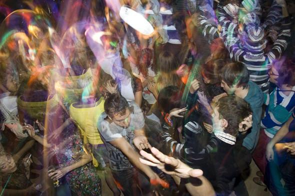 Прямая речь: Фотографы вечеринок о танцах, алкоголе и настоящем веселье. Изображение № 112.