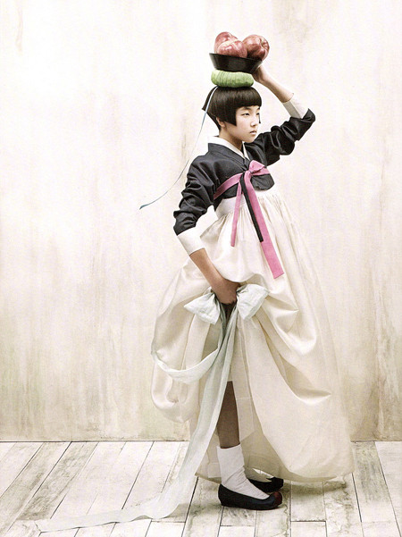 The Grace of the HanBok (Vogue Korea October 2007). Изображение № 6.