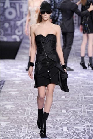 Back to black : Gareth Pugh и Victor&Rolf aw 2010-2011. Изображение № 57.