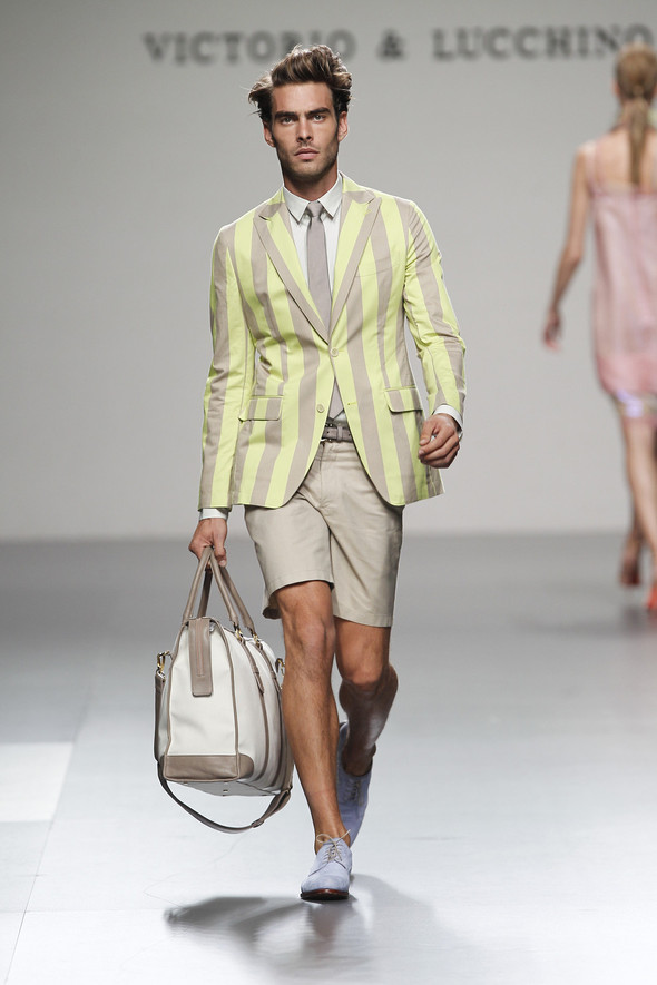 Madrid Fashion Week SS 2012: Victorio & Lucchino. Изображение № 17.