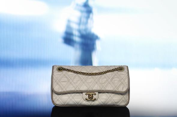Лукбук: Chanel FW 2011 Bags. Изображение № 7.