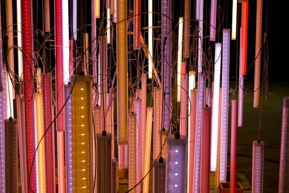 SOBRANIE LIGHT SYMPHONY интерактивная световая инсталля. Изображение № 3.