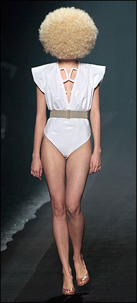 Maison Martin Margiela springsummer 2009 collection. Изображение № 7.
