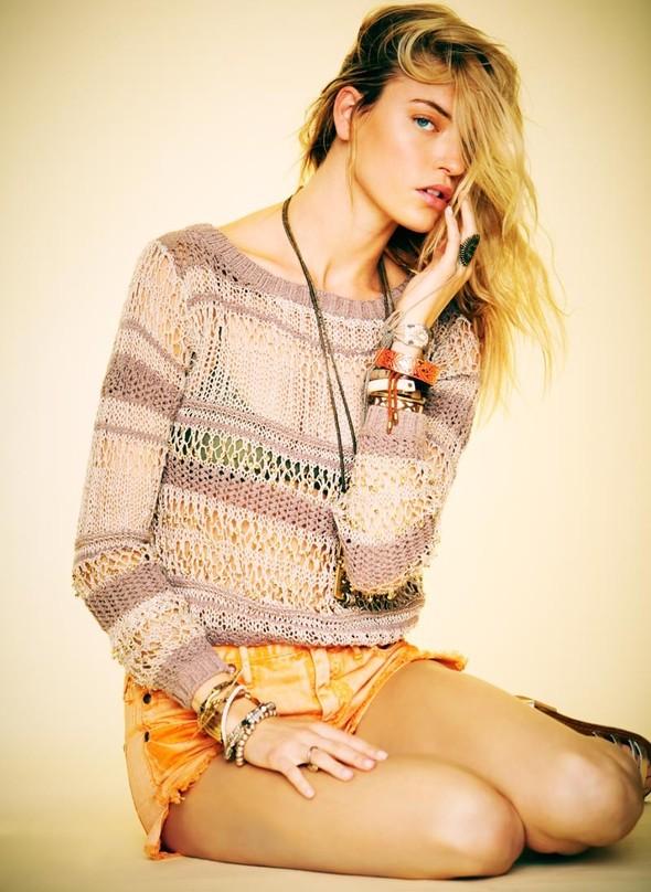 Лукбуки: H&M, Free People, Mango и Zara. Изображение № 18.