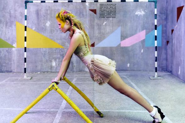 Vogue Italia March 2010 Glam and Sporty. Изображение № 2.
