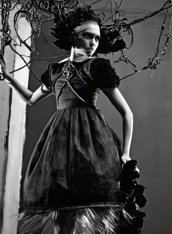 Съемка: Аризона Мьюз и Руби Олдридж для Vogue Италия. Изображение № 13.