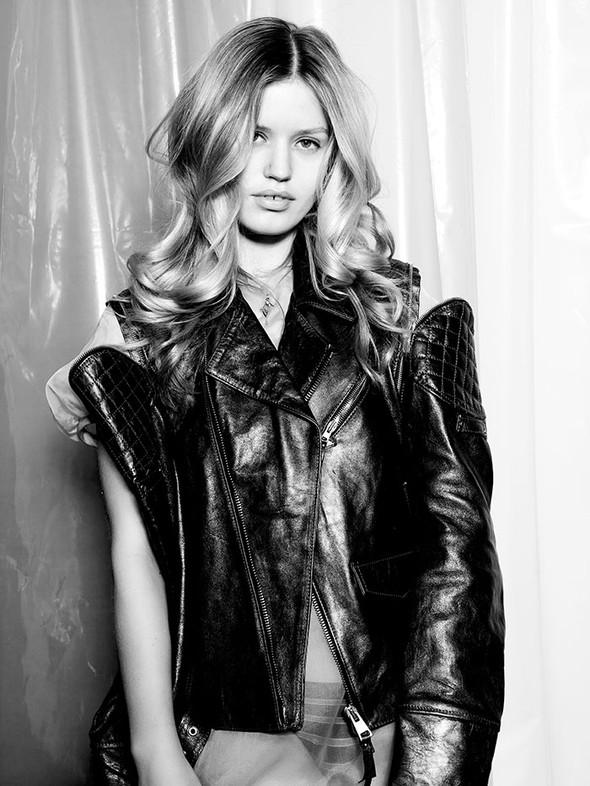 Съёмки: Harper's Bazaar, Interview, Vogue и другие. Изображение № 37.