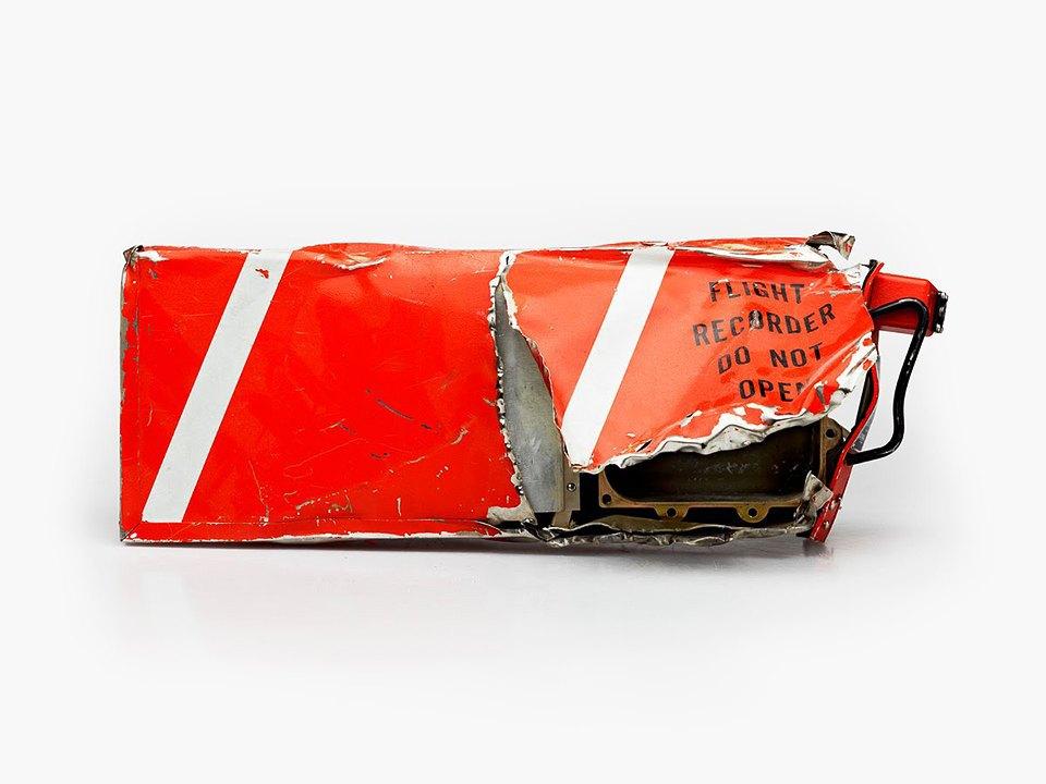 Фотографии «чёрныхящиков»  после авиакатастроф. Изображение № 4.