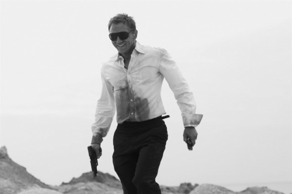 007: DANIEL CRAIG: BEHIND THE SCENES BW PHOTOGRAPHY. Изображение № 9.