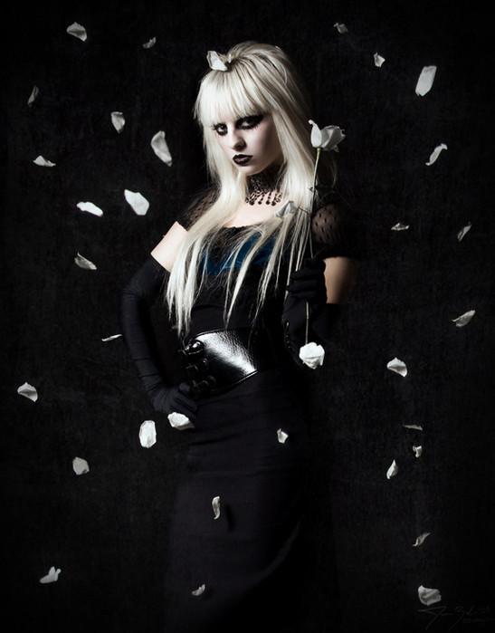 Ghoulish glamour. Изображение № 16.