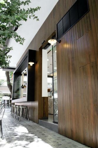 На скорую руку: Фаст-фуды и недорогие кафе 2011 года. Изображение № 37.