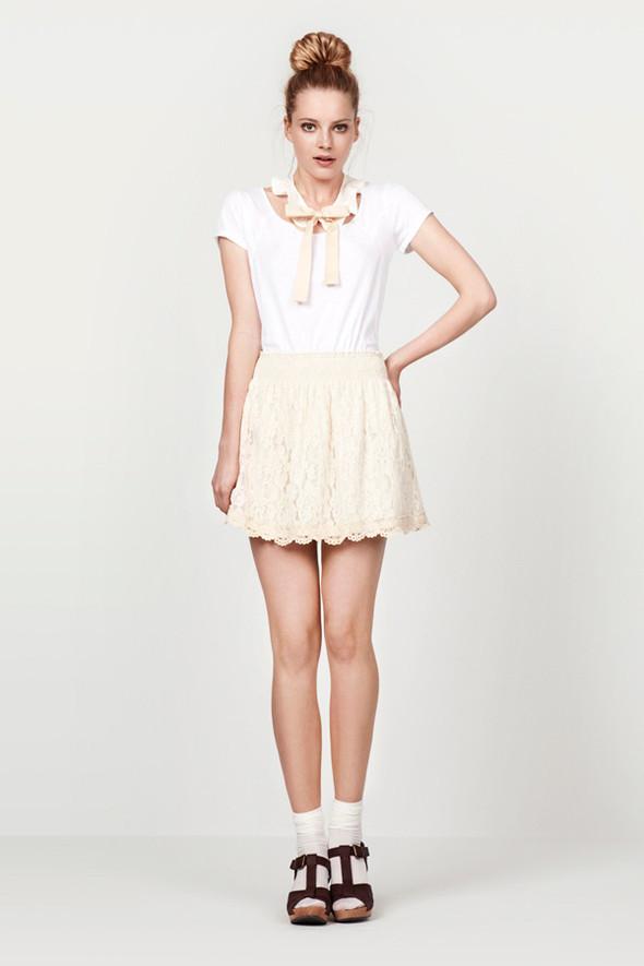 Zara Women June 2010. Изображение № 9.