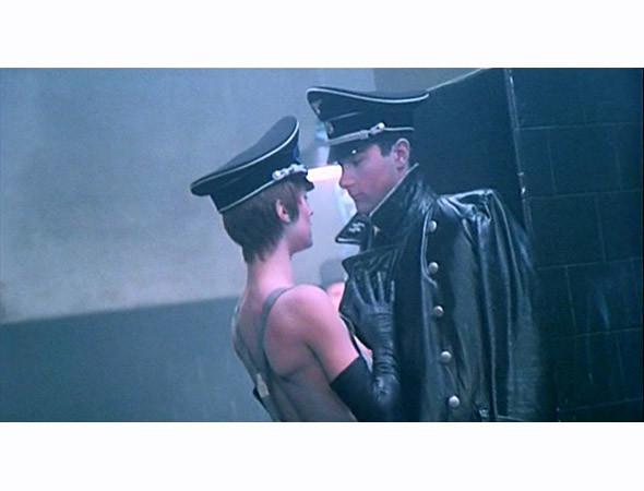 Кадр из фильма «Ночной портье» (1973). Изображение № 2.
