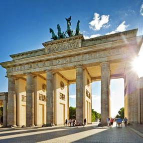 Гид по Берлину в кинокадрах: Музеи, гей-клубы, вокзалы и кладбища. Изображение № 7.