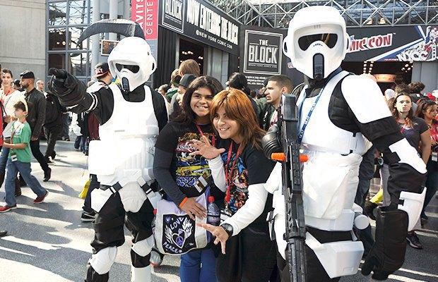 Как прошёл гик-фестиваль NYC Comic-Con  в Нью-Йорке. Изображение № 24.