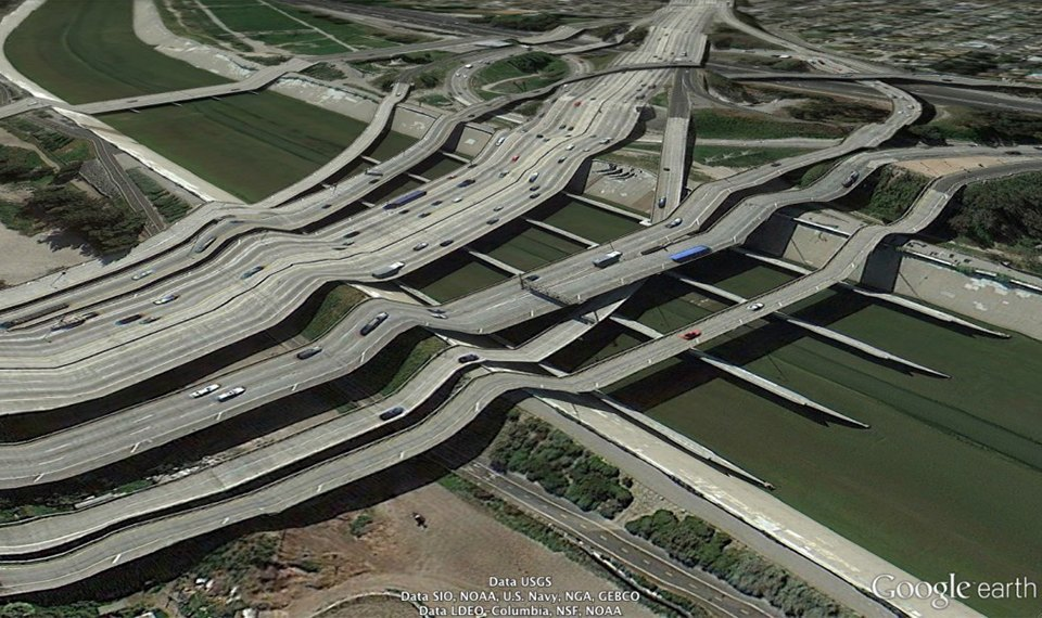 32 фотографии из Google Earth, противоречащие здравому смыслу. Изображение № 9.
