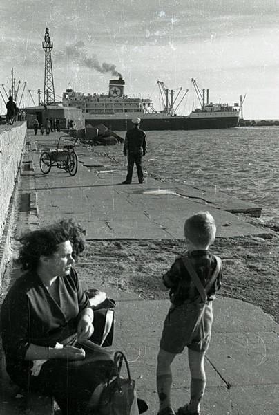 Фотографии из СССР. Изображение № 62.