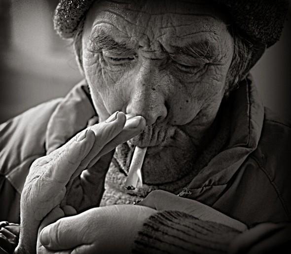 Elderly. Изображение № 4.