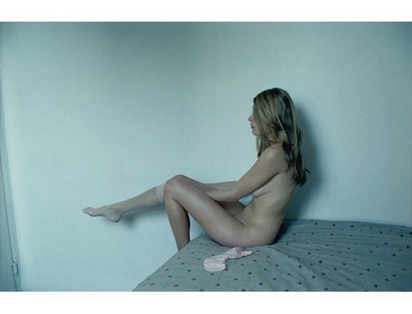 Части тела: Обнаженные женщины на фотографиях 1990-2000-х годов. Изображение №152.