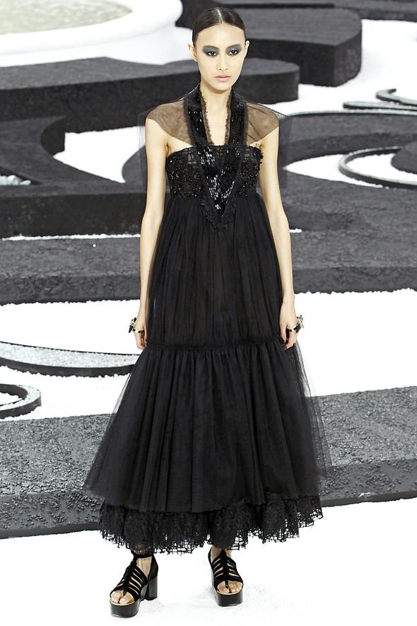 Карл Лагерфельд показал одну из самых красивых коллекций, когда-либо созданных для Chanel. Изображение № 50.