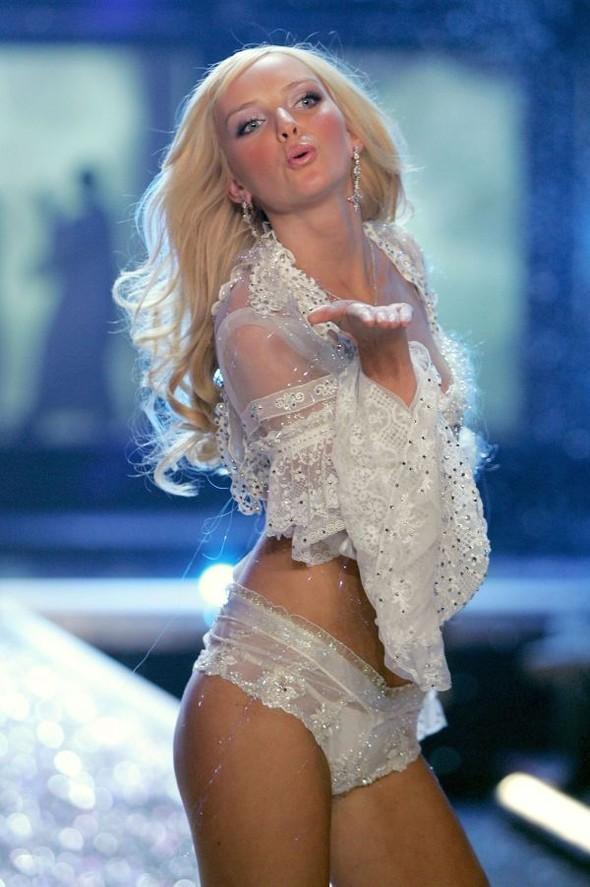 Victoria's Secret Lingerie Fashion Show 2008. Изображение № 33.