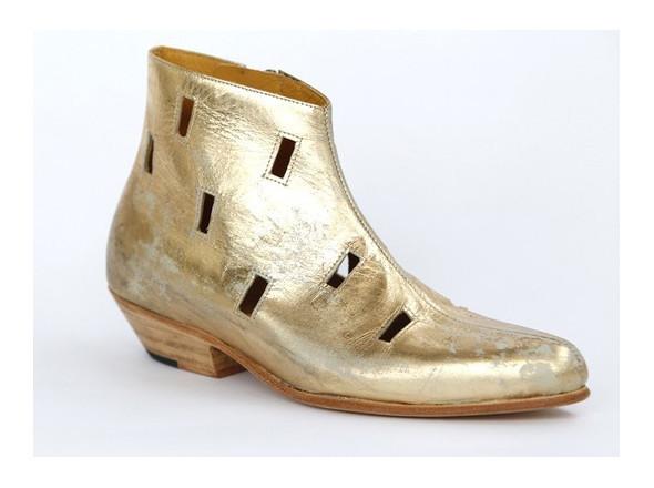 Walking in my shoes: 10 тенденций обуви весны-лета 2011. Изображение № 88.