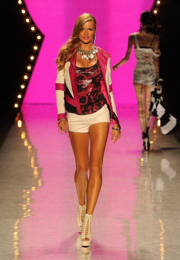 New York Fashion Week: Betsey Johnson Spring 2012. Изображение № 67.
