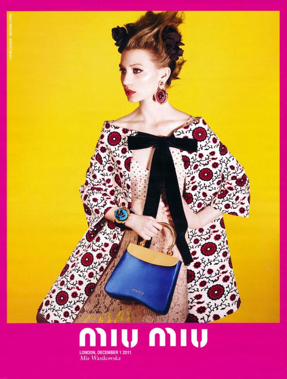 Превью кампаний: Лара Стоун для Calvin Klein и Миа Васиковска для Miu Miu. Изображение № 2.