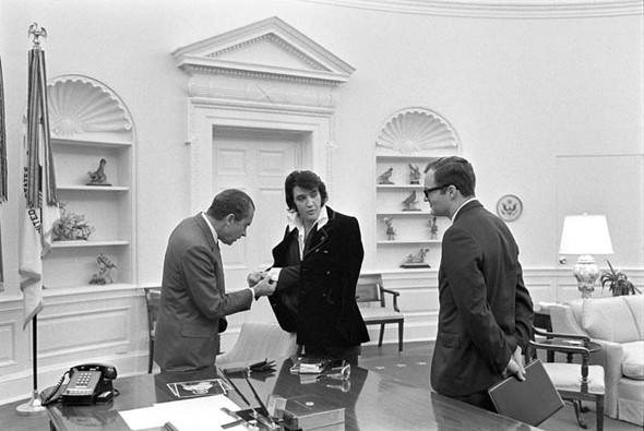 Элвис Пресли vsРичард Никсон. Историческая встреча. Изображение № 12.