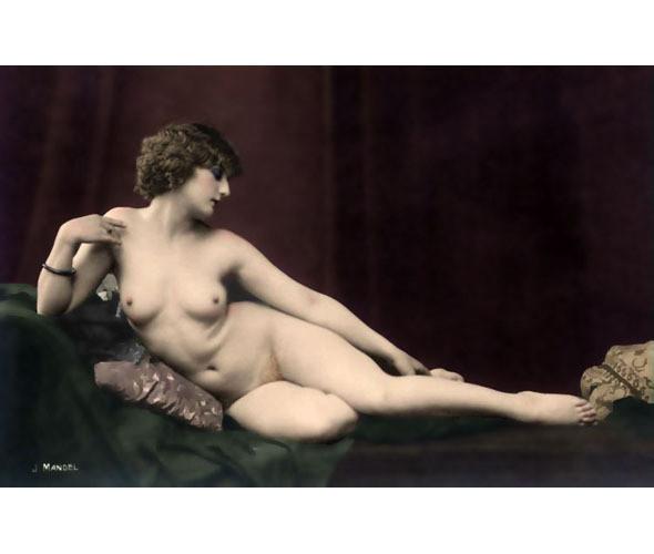 Части тела: Обнаженные женщины на винтажных фотографиях. Изображение №16.