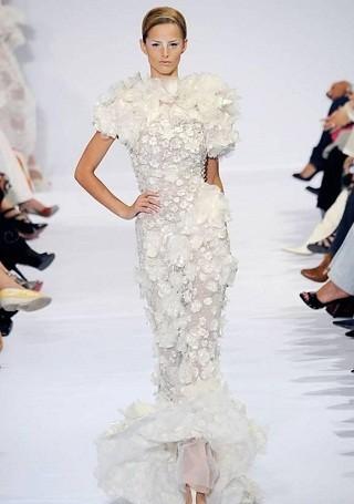 """""""Выбираем свадебное платье!"""" 93 идеи ведущих дизайнеров. Изображение № 13."""